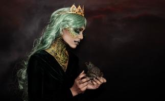 Silvena_Toncheva_Queen_of_Frogs